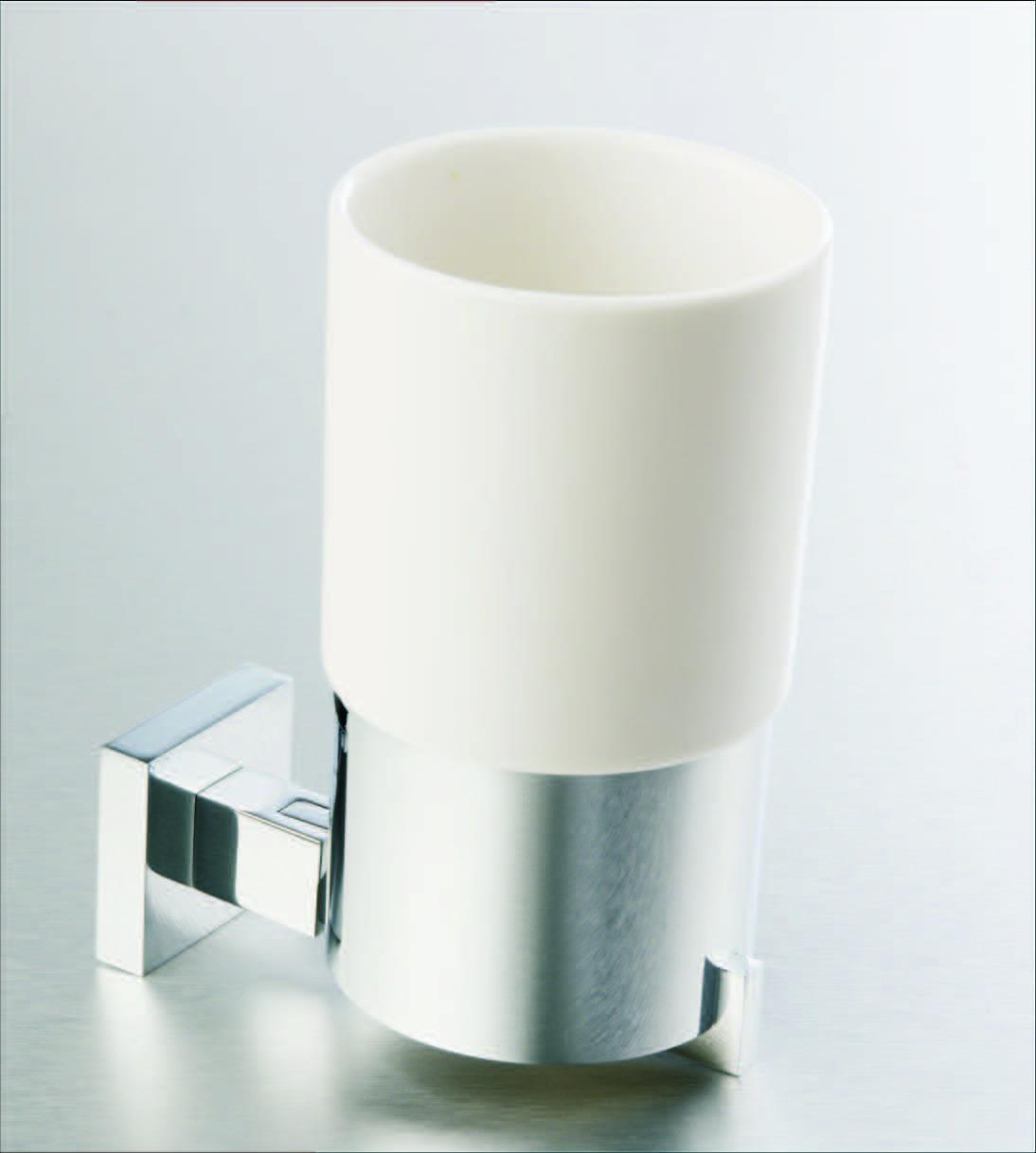 L203c-1-tumbler-holder